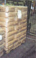 Bags on the top of the pallet and sidewise