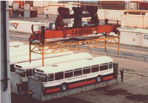 Over-height frame for open top containers and flats lifted by spreader type SPOT