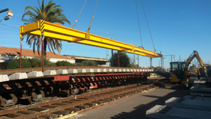 Lifting frame for rail track assembly handling