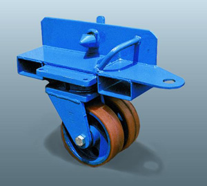 Wheel with lifting pocket for forklift