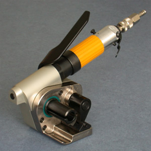 Pneumatic manual tightener